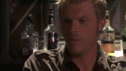 Gozando na boca de Stormy Daniels no banheiro do bar