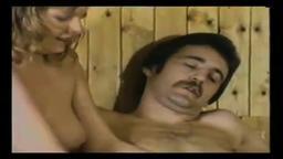 Sauna de mulheres loucas por um pau na buceta