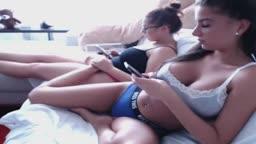 Garotas com bucetas gozando na web caiu na net