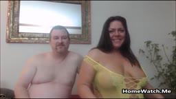Casal amador de gordos fazendo sexo selvagem caseiro