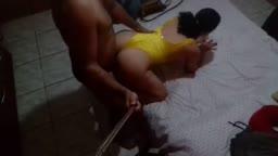Dona de casa peida dando o cuzão