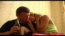 Se aproveitando da loira bebada