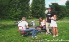 Jovens swingers de primeira viagem