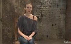 Tiffany Tyler amarrada e torturada