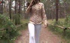 Anastasia Petrova russa novinha gostosa nua na floresta
