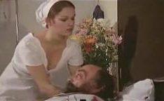 Brigitte de enfermeira em um filme classico