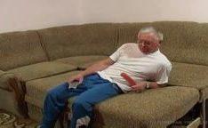 Homem velho com disfunção erétil