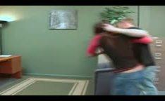 Irmão fode irmã em video putaria de incestos