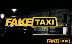Taxi quente com loira mulher policia puta