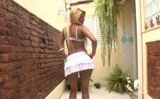 Brasileira com corpo lindo loira gostosa puta fazendo sexo anal