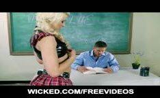 Colegial loira quer sacanagem com seu professor que fodeu ela