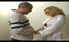 Rebecca Bardoux maduras recebe uma foda anal