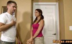 Pai tarado atacando uma filha safadinha