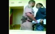 Video amador com policial fodendo morena na delegacia