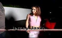 A magrinha Jersey Jaxin quer só foder com dois pênis