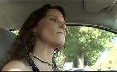 Mulher estressada encontrou pau negro na rua pra foder