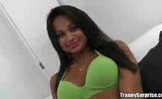 Foda com travesti brasileiro dando o cu