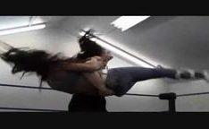 Heroinas quentes sensual dominadas com lutas