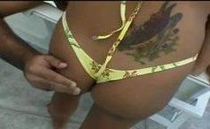 Novinha do porno brasileiro dando o cu
