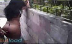 Morena algemada no muro sendo estuprada