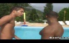 Porno gay na piscina