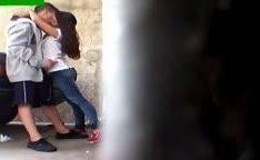 Novinha ganhando porra na boquinha depois da escola