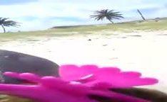 Flagra na praia de casal amador fodendo