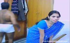 Casal indiano dando uns amassos na web