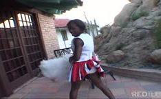 Novinha negra lider de torcida fodida