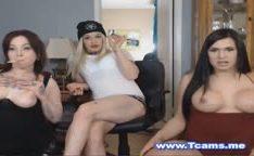 Trio de travestis fazendo boquete na web