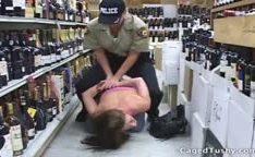 Ladra gostosa presa pela a policial lesbica