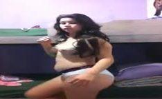 Novinha patricinha fazendo video caseiro nua pro namorado