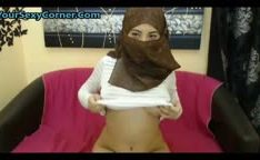 Gostosa da arabia ficando nua online