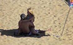 Flagra real de casal fodendo na praia de Macae – RJ