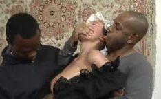 Camareira violentada por negros de paus enormes