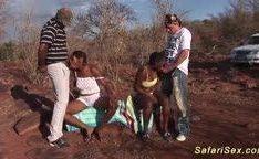 Orgia com putas africanas
