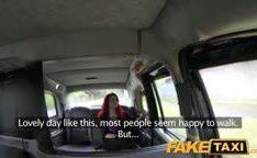 Taxista amador comendo peituda do porno