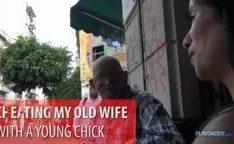 Vovô de 68 anos fodendo morena jovem na putaria