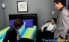 Primeira vez de rapazes fazendo sexo gay