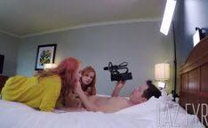 Putas ruivas atrizes pornô juntas trepando com rapaz