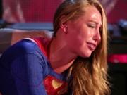 Supergirl transa com Batman paródia pornô